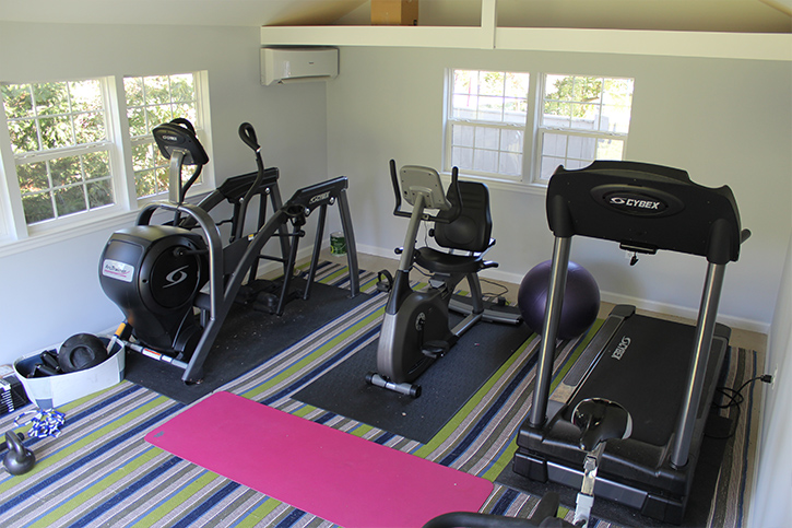 home gym with cardio equipment